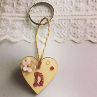 Love heart keyring with personalized glitter letter