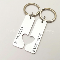 Special Date Keyring Pair - Couples Matching Keychains - Wedding Date