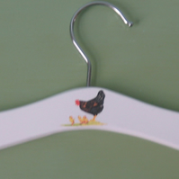 Baby hanger with hen & chicks decoration