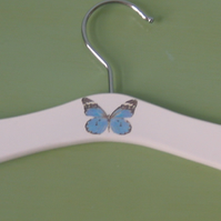Baby hanger with butterfly decoration