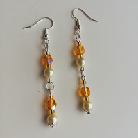 Cream pearls with topaz faceted beads earrings