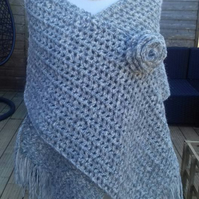 crochet hugums wrap shawl fashion accessories
