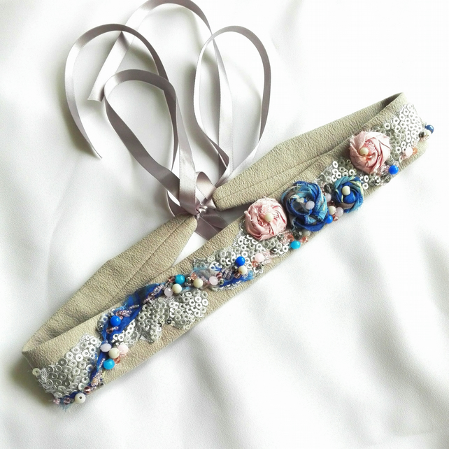 Blue and pink roses sash