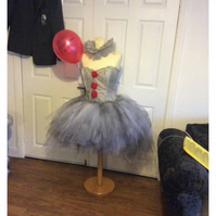 Halloween It Pennywise clown sz12 lots of Halloween items for sale