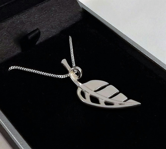 Leaf Pendant (Small)