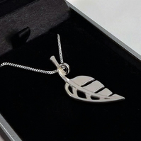 Leaf Pendant (Small), Silver Leaf Necklace, Nature Jewellery, Wildlife Gift