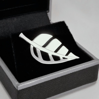 Leaf Tie Pin, Silver Nature Jewellery, Handmade Wildlife Gift for Him
