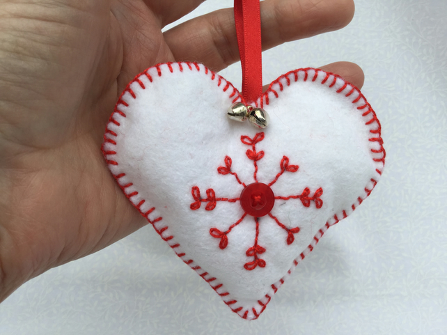 Handmade, Scandinavian style, felt heart, tree decoration