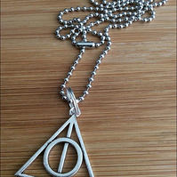 "Harry Potter Pendant on a 2.4mm, 24"" Stainless Steel Ball Chain"
