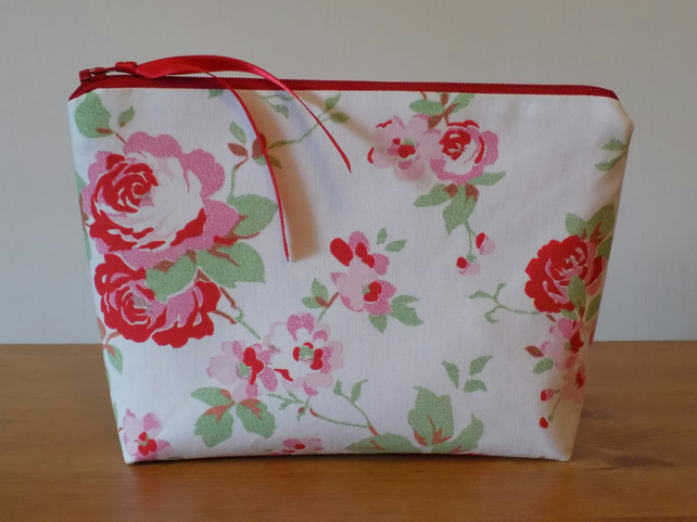 Cath Kidston White 'Rosali' Floral Fabric Make Up Bag Case