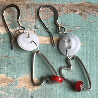 Glass button and heart drop earrings