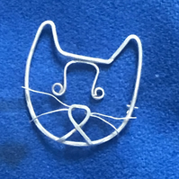 Silver cat face Brooch