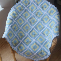 Gorgeous crocheted baby blanket