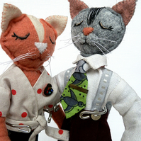 Cat jiving dolls