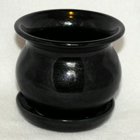 18-231 Sparkly Black Hand-Thrown Cauldron Planter (Free UK postage)