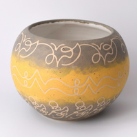 A02 - Stencilled bowl  (Free UK postage)