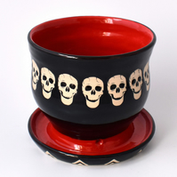 A82 Skulls plant pot in black and scarlet (Free UK postage)