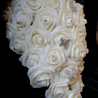 Teardrop Creamy White Bouquet