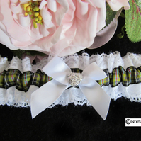 WHITE GARTER WITH CORNISH   TARTAN