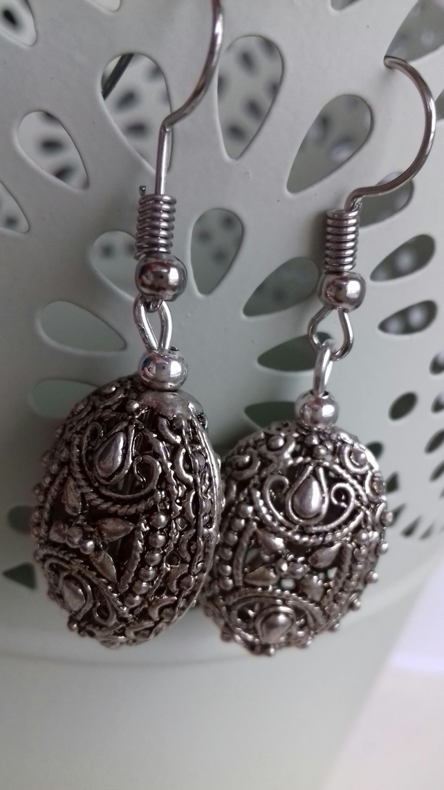Cool Silver Detailed Filigree Charm Earrings