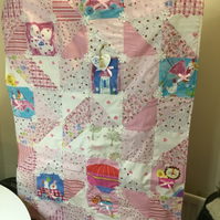 Patchwork quilt for baby girl