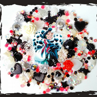 Cruella De'Vil themed Diy Decoden kit. Disney villains, Dark Disney, Alternative