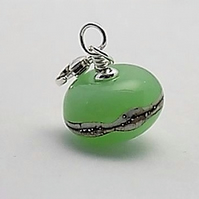 Apple elegance charm bead on sterling silver trigger clasp
