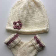 Hand knit baby hat and mitts 0-3 months