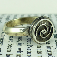Elegant Brass Steampunk Ring with FREE Ring Box