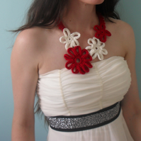 Red and Cream Crochet Daisy Necklace