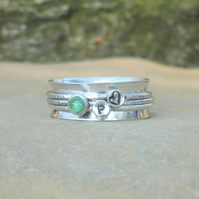 Personalised Emerald May birthstone and initials spinner ring