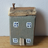 Little grey house - fridge magnet