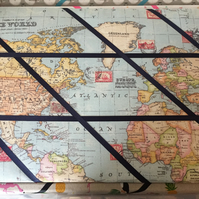 World map pinboard