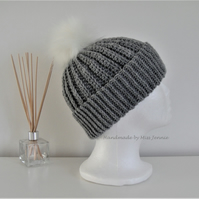 Beanie Hat with detachable Faux fur Pom pom