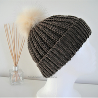 Beanie Hat with detachable Faux fur Pompom