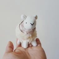 White Sheep, Soft Sculpture, Dolly