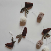 Pinecone and Pom Pom Garland