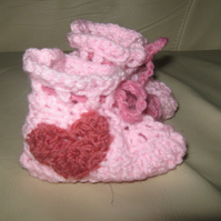 Pink hand crocheted booties with heart 0-6 months