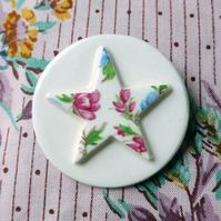 Porcelain star brooch