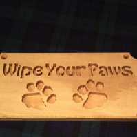 Wipe your paws made from solid holly wood