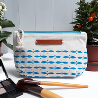 Medium blue makeup bag (waterproof lining)