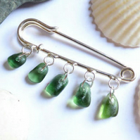 Green Sea Glass Brooch-Kilt Pin Silver Plated Scottish Safety Pin AD17004
