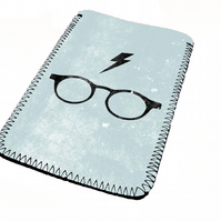 Simplistic Harry potter kindle & e reader soft sleeve for all kindle models