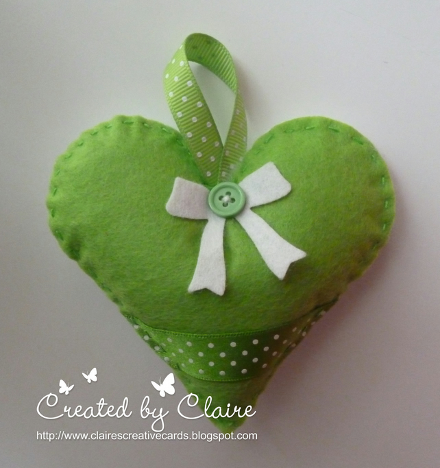 GREEN FELT HEART HANGING DECORATION