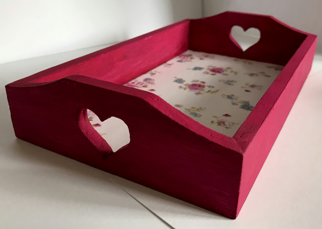 PRETTY SHABBY CHIC HANDCRAFTED FUCHSIA PINK WOODEN HEART STORAGE TRAY