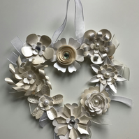 HANDCRAFTED CREAM & WHITE HEART SHAPED FLOWER HANGING DECORATION
