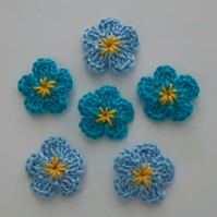 6 Tiny Forget me not Crochet Flowers - Shades of Blue- Appliqués- Embellishments