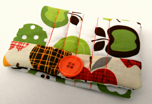 An Apple a Day.. Handmade Snap Pouch: Snap Wallet: Tissue Pouch