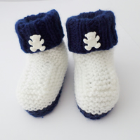 Hand knitted baby boy teddy booties white and navy blue 0-3 months