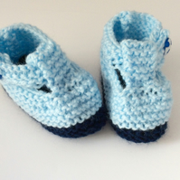 Baby shoes, knitted baby booties, blue booties, baby boy, handmade, 0-3 months